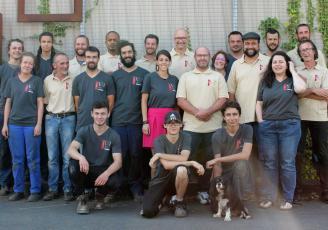 Reprise en 2005 par Lionel Moretto, avec quatre compagnons, Metafer,  spécialisée dans la métallerie et la ferronnerie d'art compte aujourd'hui vingt salariés