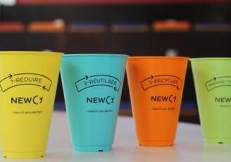 """C'est en observant, chaque jour, l'amas de gobelets en plastique aux abords des distributeurs de boissons de leur campus que quatre étudiants de Rennes School of Business (Ecole Supérieure de Commerce de Rennes) et de l'INSA Rennes ont eu l'idée de créer la startup Newcy, pour """"New Cycle""""."""