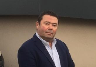 Philippe Nicol,  également dirigeant d'Armor Peinture,  se lance dans un nouveau défi : remettre sur les rails une entreprise aux mains de la famille Maillet depuis trois générations