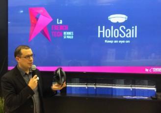 Fabrice Barbin, dirigeant Synergiz, présente la solution HoloSail aux membres du jury Winch Pitch 2016 –
