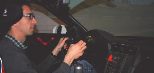 Créée  le 15 février 2017, 2SMPilotage propose à tous les pilotes professionnels et amateurs passionnés de sports automobiles, d'améliorer leurs performances en piste grâce à un simulateur de dernière génération