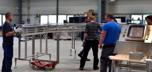 Avec 90 salariés pour un CA de 35 millions d'euros, Armor Inox à Mauron dans le Morbihan a la particularité d'exporter 95 % de ses lignes automatisées.