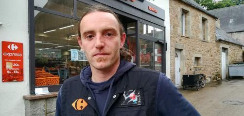 François Caz, gérant du Carrefour Express de Bréhat.