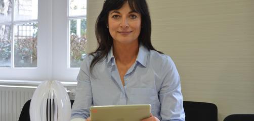 """Juliette Cohignac, en charge du digital au sein de Formatis International  a reçu le prix """"compétence & digital"""" lors du dernier concours Crisalide Numérique à Rennes."""