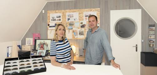 Sandrine Guyot et Laurent Pezé sont les fondateurs de la marque Friendly Frenchy qui propose des lunettes fabriquées à partir de déchets coquillés.