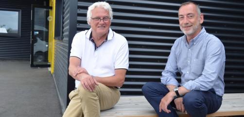 Laurent Girard (à gauche) repreneur de Solution FLC accompagne pendant trois ans Laurent Sonnefraud à qui il a transmis son entreprise