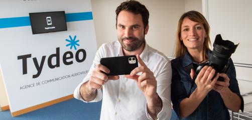 Julien Cabon et Marina D'Eté, fondateurs et associés de Tydeo, entreprise spécialisée dans la vidéo d'entreprise