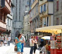 Attractivité des cœurs de villes : comment redynamiser le commerce ?
