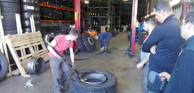 En 2018, le Groupe Simon-Chouteau a enregistré une croissance de plus de 10% et réalisé 235 M€ de chiffre d'affaires. Il vend près de 2 millions de pneus par an. Pour continuer d'être compétitif et de se développer, le Groupe Simon-Chouteau a pris à bras-le-corps la question de la formation.