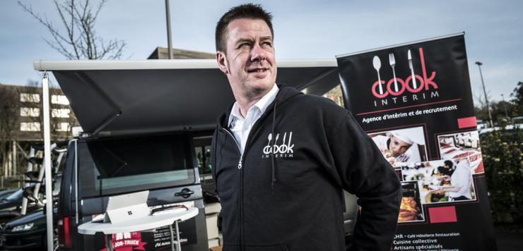Damien Leterme, dirigeant de Cook Interim, recrute avec son Job-truck !
