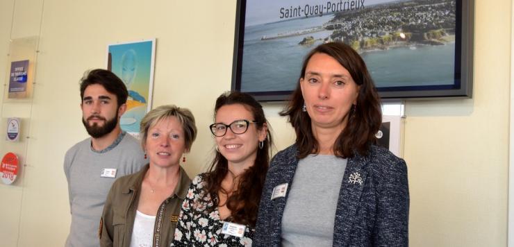 L'équipe de l'office de tourisme de Saint Quay Portrieux est dirigée par  Cécilia Le Goff (adroite sur la photo)